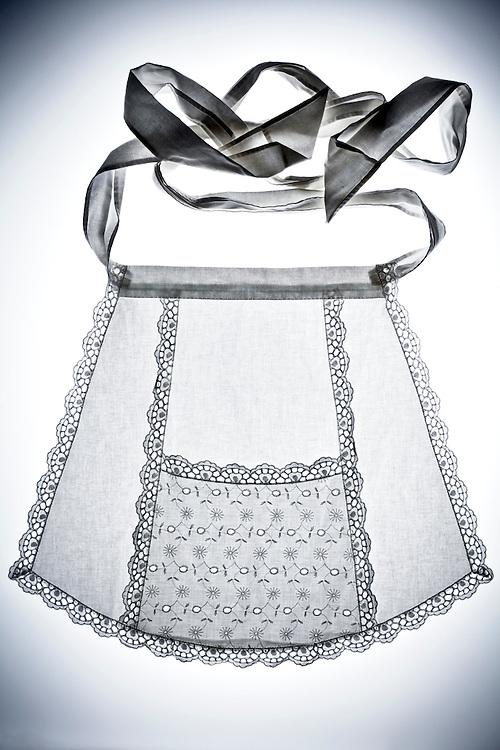 a housemaid skirt