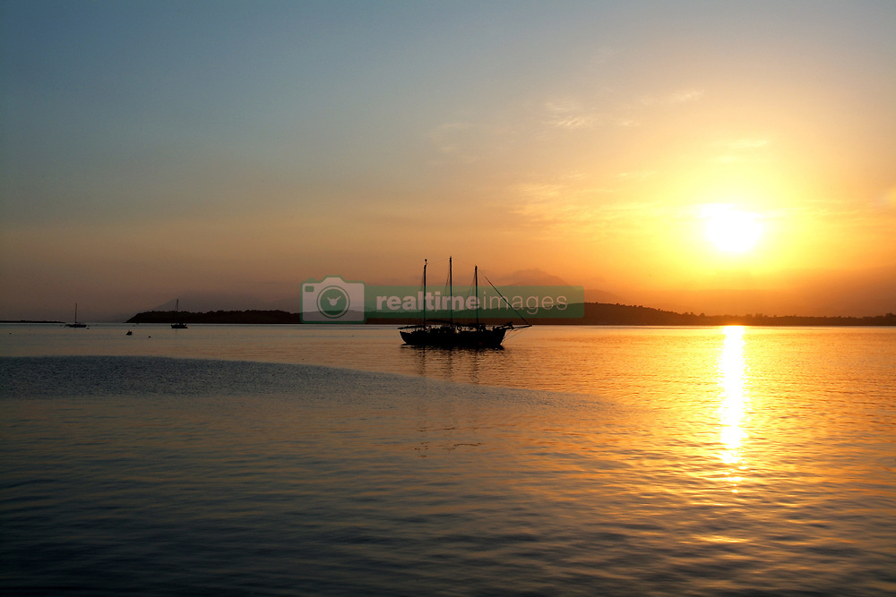 July 21, 2019 - Sunset Over Bantry Bay, County Cork, Ireland (Credit Image: © Peter Zoeller/Design Pics via ZUMA Wire)