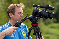 May 29, 2018 - BÃ¥Stad, Sverige - 180529 Paul Balsom fysiolog/analys filmar under Sveriges fotbollslandslags träning den 29 maj 2018 i BÃ¥stad  (Credit Image: © Petter Arvidson/Bildbyran via ZUMA Press)