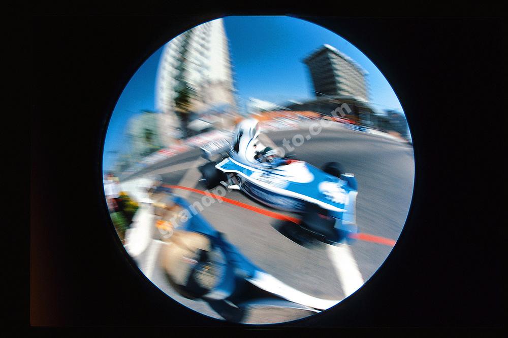 Jacques Laffite (Ligier-Matra) in the 1976 United States West Grand Prix in Long Beach. Photo: Grand Prix Photo