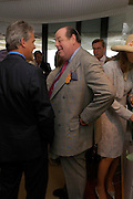 The hon Nicholas Soames. Glorius Goodwood. 27 July 2005. ONE TIME USE ONLY - DO NOT ARCHIVE  © Copyright Photograph by Dafydd Jones 66 Stockwell Park Rd. London SW9 0DA Tel 020 7733 0108 www.dafjones.com