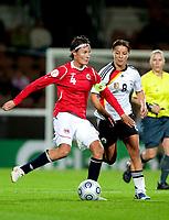 Fotball<br /> EM 2009 kvinner<br /> Semifinale<br /> Tyskland v Norge<br /> Foto: Jussi Eskola/Digitalsport<br /> NORWAY ONLY<br /> <br /> Ingvild Stensland og Inka Grings