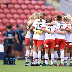 BRISBANE, AUSTRALIA - NOVEMBER 17: Adelaide United players huddle together during the round 4 Westfield W-League match between the Brisbane Roar and Adelaide United at Suncorp Stadium on November 17, 2017 in Brisbane, Australia. (Photo by Patrick Kearney / Brisbane Roar)