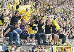 02.04.2011, Signal Iduna Park, Dortmund, GER, 1.FBL,  Borussia Dortmund vs Hannover 96, im Bild Fans jubeln nach dem Sieg, EXPA Pictures © 2011, PhotoCredit: EXPA/ nph/  Scholz       ****** out of GER / SWE / CRO  / BEL ******
