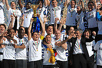 Festeggiamenti Inter Campione d'Italia<br /> Javier Zanetti e Jose Mourinho<br /> Siena 16/5/2010<br /> Siena Inter<br /> Campionato Italiano Calcio Serie A <br /> Foto Andrea Staccioli Insidefoto