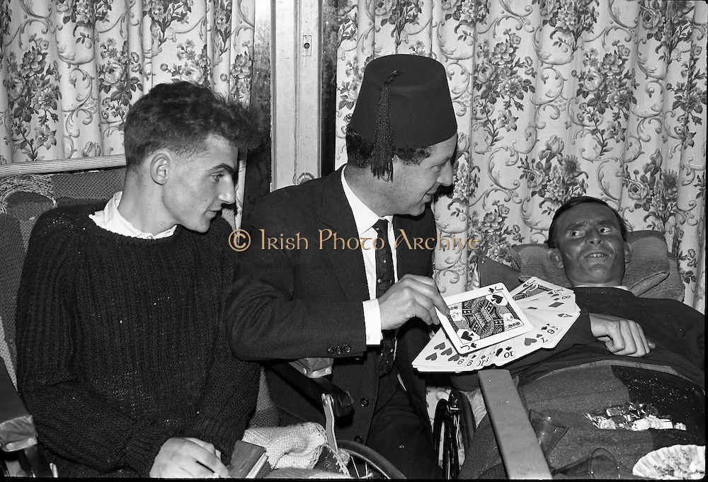 At the Cheshire Home, Shillelagh, Co. Wicklow, a variety concert featuring leading performers from Dublin was held for the entertainment of patients..10.10.1963