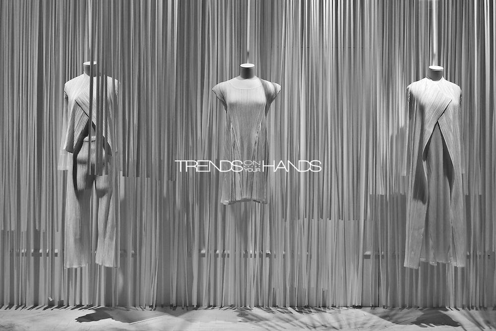 Dresses ISSEY MIYAKE