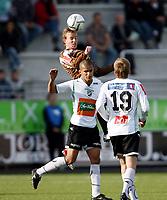Fotball <br /> Adeccoligaen<br /> AKA Arena , Hønefoss <br /> 21.05.09<br /> Hønefoss BK  v Mjøndalen  0-0<br /> <br /> Foto: Dagfinn Limoseth, Digitalsport<br /> Kamal Saaliti , Hønefoss og Kevin Nicol , Mjøndalen