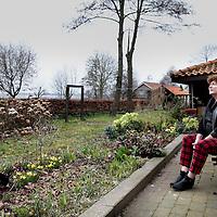Nederland, Driemond , 20 maart 2014.<br /> Ex Producent Geeske Hendriksen van Stichting Multiculturele Televisie Nederland<br /> Stichting Multiculturele Televisie Nederland maakte onderdeel uit van het publieke omroepbestel. Het tv-productiebedrijf werd via een convenant gefinancierd door het ministerie van OCW en de steden Amsterdam, Rotterdam en Utrecht (en Den Haag tot en met 2008). MTNL hield per 1 januari 2013 op te bestaan.<br /> Foto:Jean-Pierre Jans