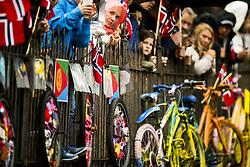 September 20, 2017 - Bergen, NORWAY - 170920 Spectators during the Men Elite Individual Time Trial on September 20, 2017 in Bergen..Photo: Jon Olav Nesvold / BILDBYRN / kod JE / 160023 (Credit Image: © Jon Olav Nesvold/Bildbyran via ZUMA Wire)