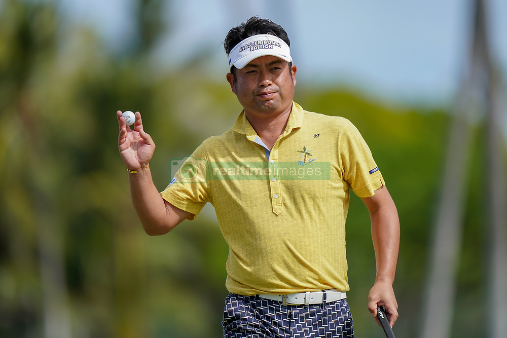January 10, 2019 - Honolulu, HI, U.S. - HONOLULU, HI - JANUARY 10: Yuta Ikeda of Japan acknowledges the crowd as he walks off the 18th green after finishing up his first round of the Sony Open on January 10, 2019, at the Waialae Counrty Club in Honolulu, HI. (Photo by Darryl Oumi/Icon Sportswire) (Credit Image: © Darryl Oumi/Icon SMI via ZUMA Press)
