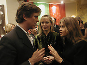 Mogens Tholstrop, Ffion Hague and  Lady Weinberg. ( Anouskha Hempel .)Shanghai Tang opening. Sloane St. 11 April 2001. © Copyright Photograph by Dafydd Jones 66 Stockwell Park Rd. London SW9 0DA Tel 020 7733 0108 www.dafjones.com