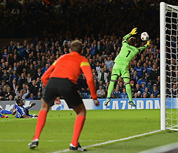 18.09.2013, Stamford Bridge, London, ENG, UEFA Champions League, FC Chelsea vs FC Basel, Gruppe E, im Bild Basel's Yann Sommer saves a shot from Chelsea's Samuel Eto'o during UEFA Champions League group E match between FC Chelsea and FC Basel at the Stamford Bridge, London, United Kingdom on 2013/09/18. EXPA Pictures © 2013, PhotoCredit: EXPA/ Mitchell Gunn <br /> <br /> ***** ATTENTION - OUT OF GBR *****