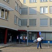 NLD/Huizen/20110902 - Containerbrand in trappenhuis kantoorpand Huizermaatweg Huizen