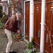 Huis Theo van Gogh Pythagorasstraat 133 Amsterdam nav zijn moord, bloemlegging