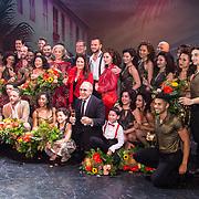 NLD/Utrecht/20171029 - Premiere Musical On Your Feet, Cast On Your Feet met Gloria Estefan en partner Emilio