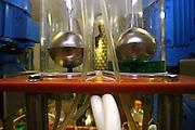 Jindrichuv Hradec/Tschechische Republik, Tschechien, CZE, 31.08.2007: Das Unternehmen Hill´s Liquere S.R.O. wurde 1920 von Albin Hill  gegründet. Die Tradition wurde 1947 von Radomil Hill weitergeführt - heute wird das Unternehmen von seiner Tochter Ilona Musialova geleitet. Hill´s Absinth wird in der südböhmischen Stadt  Jindrichuv Hradec produziert. Abfüllanlage für Absinth.<br /> <br /> Albin Hill established Hill's Liguere in 1920. He started out as a wine wholesaler and soon after he began producing his own liquor and liqueurs. In 1947 his son Radomil Hill continues this tradition and today his daughter Ilona Musialova is leading the company.