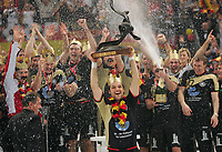 Håndball<br /> VM Tyskland<br /> 04.02.07<br /> Finale <br /> Tyskland - Polen<br /> Kaptein Markus Baur Deutschland mit WM-Pokal<br /> Tyskland Verdensmester<br /> DIGITALSPORT / NORWAY ONLY