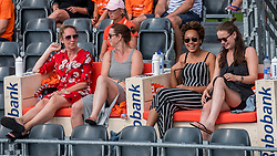 18-07-2018 NED: CEV DELA Beach Volleyball European Championship day 4<br /> Support on Rabobank bench