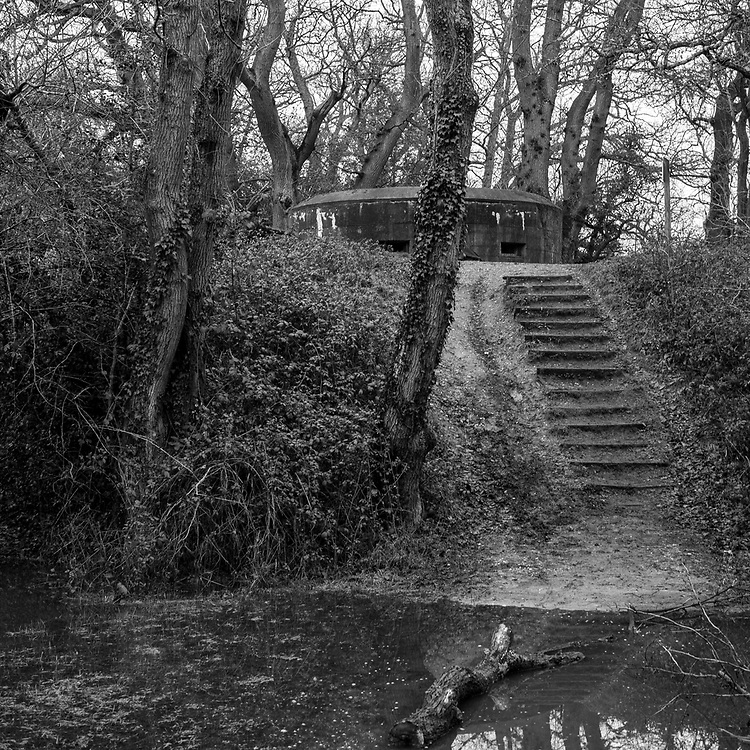 The Forgotten War - A photo story based around abandoned Pillboxes in Hertfordshire, Essex, Surrey and London. Credit: Tom Newman/UoG/Pathos Images