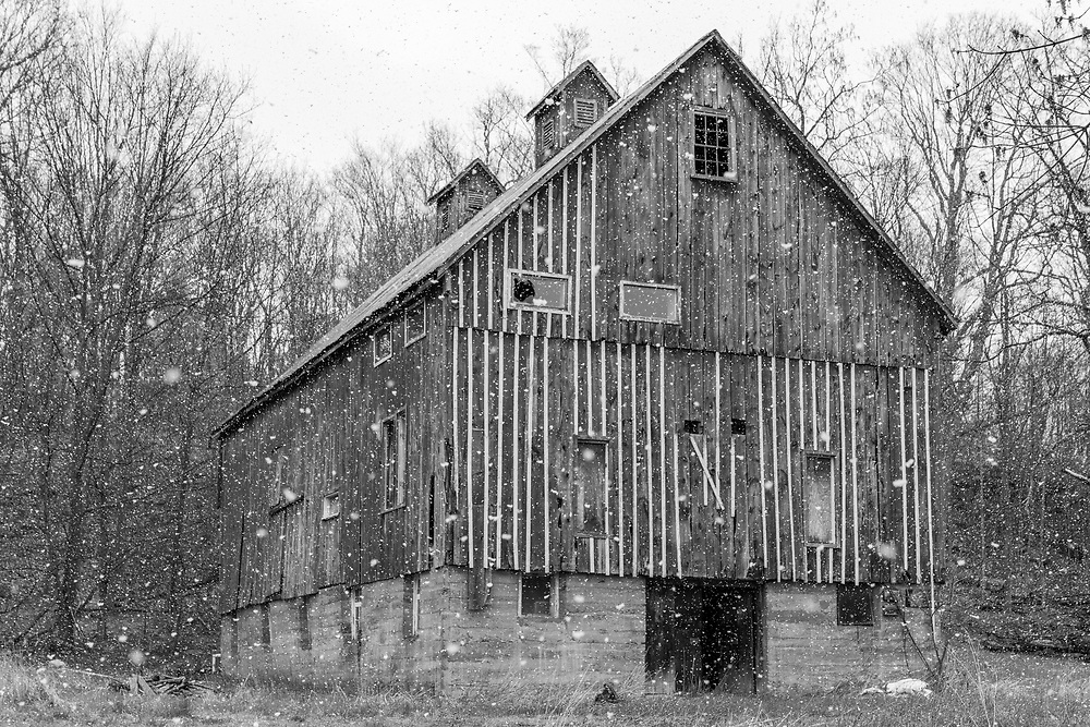 https://Duncan.co/barn-in-the-snow-black-and-white