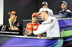 24.11.2011, Autodromo Jose Carlos Pace, Sao Paulo, BRA, F1, Grosser Preis von Brasilien, im Bild Jenson Button (GBR), McLaren F1 Team  - Felipe Massa (BRA), Scuderia Ferrari - Daniel Ricciardo (AUS) Hispania Racing F1 Team - Michael Schumacher (GER), Mercedes GP - Rubens Barrichello (BRA),  Williams F1 Team // during the Formula One Championships 2011 Grand Prix of Brazil held at the Autodromo Jose Carlos Pace, Sao Paulo, Barzil on 2011/11/24..***** ATTENTION - OUT OF GER, CRO *****