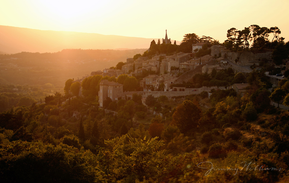 The beautiful cliffside town of Bonnieux in the Provence of France