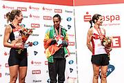 Marathon: Haspa Hamburg 2021, Hamburg, 12.09.2021<br /> Siegerehrung Frauen (v.l.): Camilla Elofsson (SWE, 2.Platz), Siegerin Cadise Demissie (ETH) und Donnem Marianne (NOR, 3 Platz)<br /> © Torsten Helmke