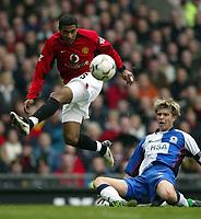 Photo. Aidan Ellis.<br />Manchester United v Blackburn Rovers.<br />FA Barclaycrad Premiership.<br />22/11/2003.<br />Manchester's Kleberson and Blackburn's Vratislav Gresko