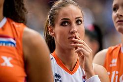 01-10-2017 AZE: Final CEV European Volleyball Nederland - Servie, Baku<br /> Nederland verliest opnieuw de finale op een EK. Servië was met 3-1 te sterk / Myrthe Schoot #9 of Netherlands