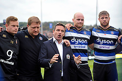 Bath Rugby Head Coach Mike Ford speaks to his team after the match - Mandatory byline: Patrick Khachfe/JMP - 07966 386802 - 17/10/2015 - RUGBY UNION - The Recreation Ground - Bath, England - Bath Rugby v Exeter Chiefs - Aviva Premiership.