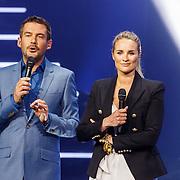 NLD/Amsterdam20160518 - 1e Liveshow Idols 5 2016, Ruben Nicolai en Lieke van Lexmond