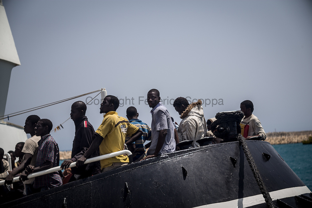 Just trasfered with a tug from the Italian navy ship Vega. 192 persons 167 men 25 women, 6 of them where carried to the hospital.