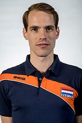 10-05-2017 NED: Selectie Nederlands volleybal team mannen 2017, Arnhem<br /> Op Papendal werd de selectie gepresenteerd / Fysio Altwijn Huisman