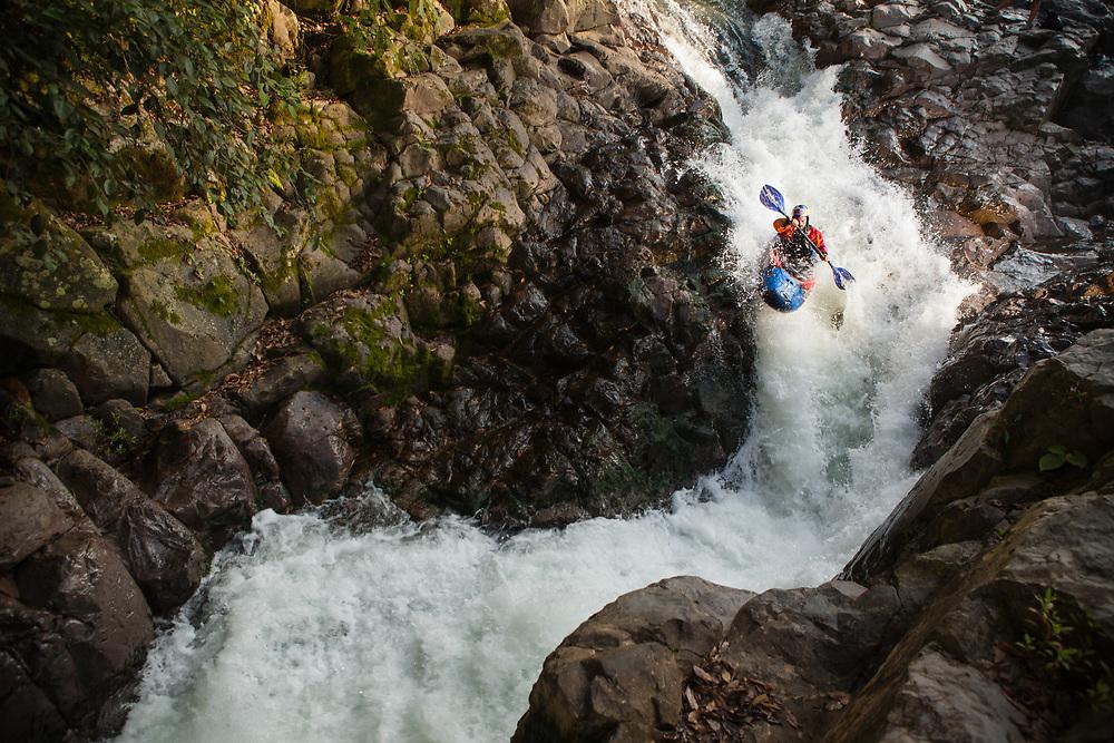 "Rafa Ortiz in ""La S"" rapid at the Jalacingo River.<br /> Client/Project: Jackson Kayaks"