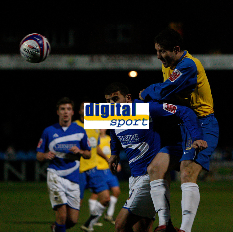 Photo: Steve Bond/Sportsbeat Images.<br /> Macclesfield Town v Hereford United. Coca Cola League 2. 26/12/2007. Sub Steve Guinan (R) gets in a late header