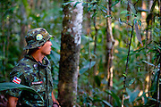 Porto Seguro_BA, Brasil...Soldado na Reserva Particular do Patrimonio Natural (RPPN)...The soldier in the the Private Natural Heritage Reserve (RPPN)...Foto: JOAO MARCOS ROSA /  NITRO.