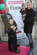 """Première familievoorstelling 'Mr Finney' in Theater Diligentia te Den Haag. De nieuwsgierige Mr Finney is gebaseerd op de bekende boekjes van Laurentien van Oranje en Sieb Posthuma. In de boeken stelt Mr Finney veel vragen over de wereld om zich heen en beleeft hij veel avonturen op zoek naar antwoorden.<br /> <br /> Premiere family show """"Mr. Finney 'Diligentia Theater in The Hague. The curious Mr. Finney is based on the famous books of Laurentien van Oranje and Sieb Posthuma. The book suggests Mr. Finney many questions about the world around him and he experiences many adventures looking for answers.<br /> <br /> Op de foto / On the photo: Jeroen van Koningsbrugge met zijn schoonvader en  zoon Salomon en dochter Valerie"""