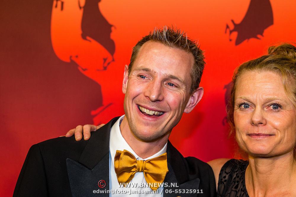 NLD/Amsterdam/20161221 - NOC*NSF Sportgala 2016, Jochem Uytdehaage en partner Danielle Mouissie