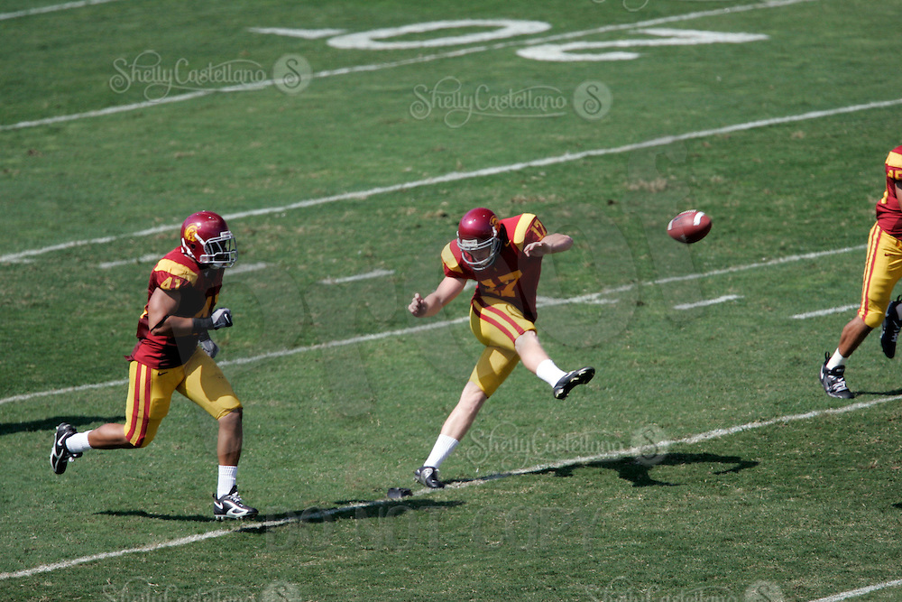 7 October 2006: #17 Troy Van Blarcom kicks the ball.  NCAA College Football Pac-10 USC Trojans 26-6 win over the Washington Huskies at the LA Coliseum during a sunny saturday game in Los Angeles, CA.<br />