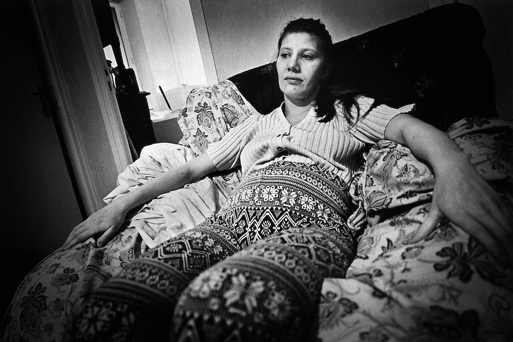 Paris, septembre 1997. Nathalie attend la naissance de Mehdi, son quatrieme enfant.