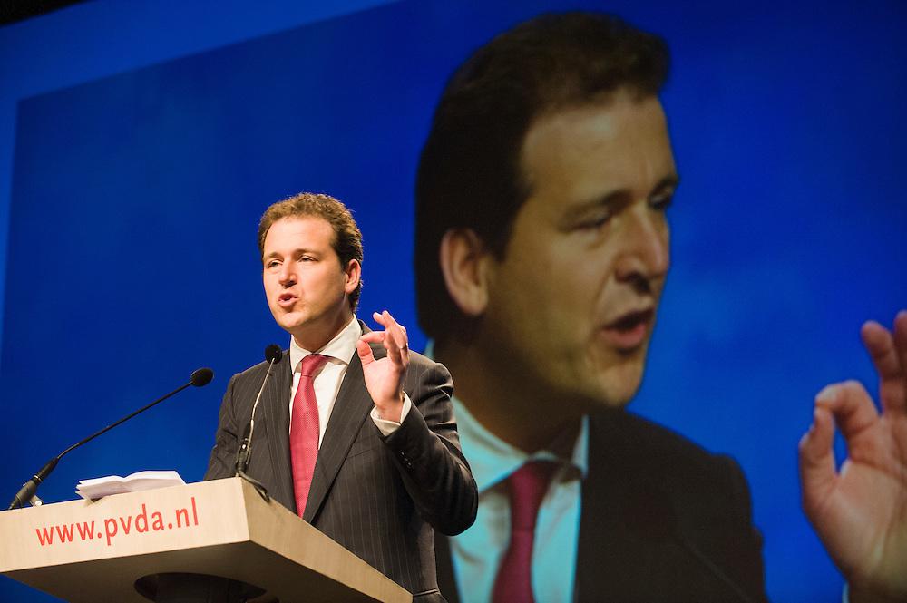 Nederland, Leeuwarden, 27 april 2013.PvdA congres in WTC Leeuwarden..Speech Lodewijk Asscher.Foto(c): Michiel Wijnbergh