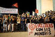 Black March Arrival at Madrid. Two hundred miners in the coalfields of northern country arrived to Madrid after 20 days of travel. The claims are subenciones cuts the coal sector. Family and citizens greeted the walkers. They walked the streets of the city to finish the Puerta del Sol.