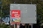Nederland, Ottersum, 20-4-2014De Europese verkiezingen staan voor de deur. Op 22 mei kun je ook op JEZUS LEEFT stemmen. Nu uit de EU is hun leus.Foto: Flip Franssen/Hollandse Hoogte