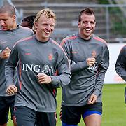 NLD/Katwijk/20110808 - Training Nederlands Elftal voor duel Engeland - Nederland, Tim Krul, Hedwiges Maduro, Dirk Kuyt, Rafael van der Vaart en Wesley Sneijder