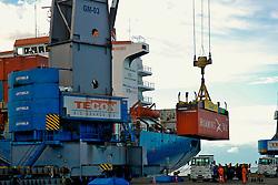 Contêiners para carga e descarga nos navios do Porto de Rio Grande. FOTO: Jefferson Bernardes/Preview.com