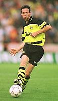 Fotball<br /> Tyskland<br /> Feature Borussia Dortmund<br /> Foto: Witters/Digitalsport<br /> NORWAY ONLY<br /> <br /> Paul LAMBERT<br /> Fussballspieler Borussia Dortmund 1997