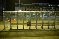 Bialystok, 23.03.2020. Pustki na ulicach Bialegostku podczas epidemii koronawirusa N/z pusty przystanek wieczorem fot Michal Kosc / AGENCJA WSCHOD