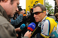 Sykkel<br /> Tour de France<br /> Foto: DPPI/Digitalsport<br /> NORWAY ONLY<br /> <br /> CYCLING - TOUR DE FRANCE 2009 - BESANCON (FRA) - 18/07/2009<br /> <br /> STAGE 14 - COLMAR > BESANCON - LANCE ARMSTRONG (USA) / ASTANA