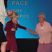 London, UK. 31th October, 2016. Dame Barbara Windsor presents the Long Service awards to Violet Pace at Team London Awards at City Hall, London,UK. Photo by See Li